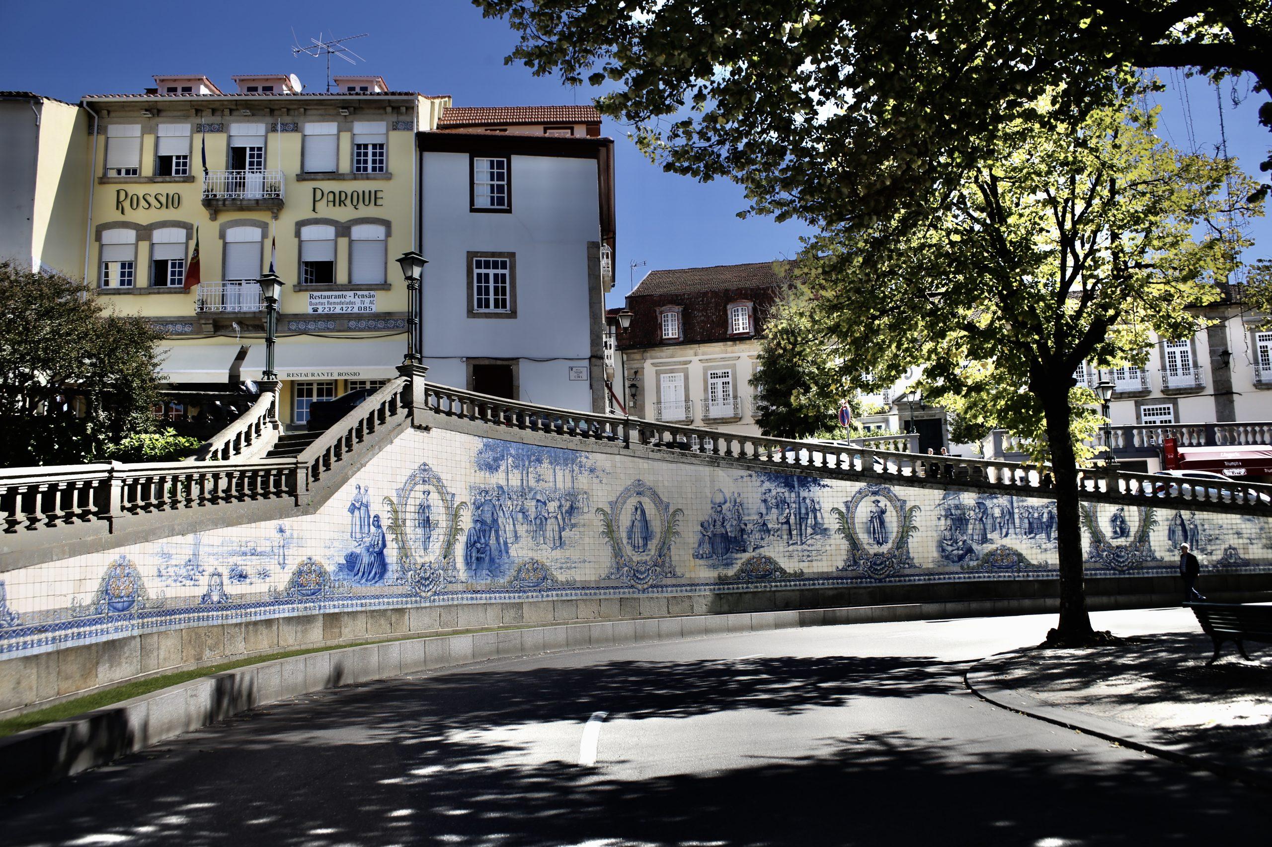 Azulejo, Portuguese and Spanish painted tin-glazed ceramic tilework
